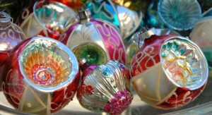vintage-christmas-decorations-g7fvbzim